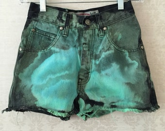 Levi bleached & dyed shorts