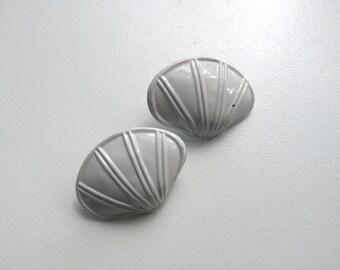 1980s White Seashell Earrings