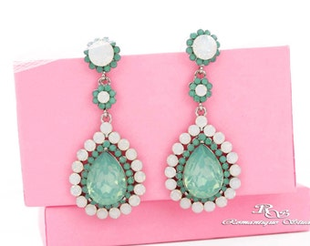 Mint green earrings, Mint green crystal earrings, Mint Bridesmaid jewelry, Mint bridesmaid earrings, Mint earrings, Bridal earrings 1414