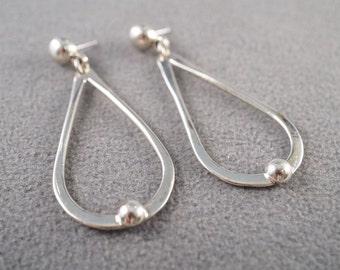 Vintage sterling Silver Pear Long Dangle Pierced Bold Earrings    **RL