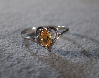 Vintage Sterling Silver Floating Heart Ring with Oval Citrine, size 7 **RL