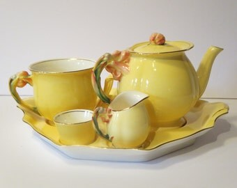 BREAKFAST SET, Royal Winton Grimmades, Tea set, Yellow tiger lily, Antique collectible, Teapot, Toast rack, Service, Mother's Gift