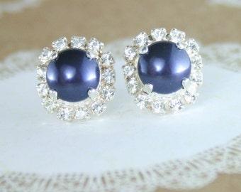 Pearl earrings,pearl halo earrings,navy blue pearl earrings,navy blue earrings,blue bridesmaid earrings,pearl stud earrings,navy blue