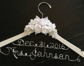 Wedding hanger, bridal hanger,personalized hanger