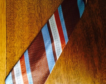 vintage clip-on tie. snapper