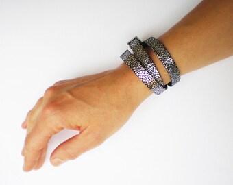 Bracelet en cuir argent et noir /cadeau femme / cadeau bijou femme