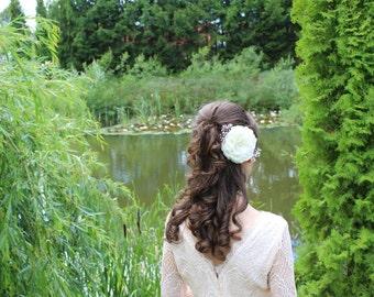 Ivory hair clip Flower hair clip Bridal hair accessories