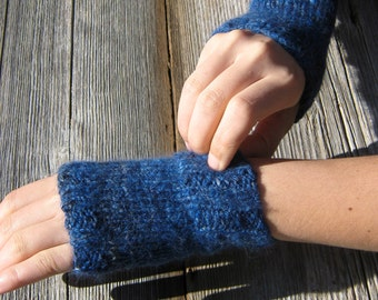 Blue Hanspun. Little Pulse Warmers. Angora