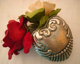 vintage wall pocket-silver tin vase-vase with chain-heart shaped-wall decor-cottage chic-