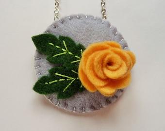 Felt Flower Pendant, Felt Floral Pendant, Felt Flower Necklace, Felt Floral Necklace, Felt Jewelry, Felt Rose, Rose Jewelry, Yellow Flower