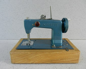 1950's Sew-ette Toy Sewing Machine, Battery Operated, Toyland Toys