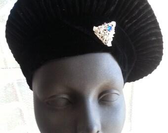 Vintage Ladies Edwardian Navy Velvet Hat