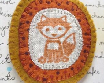Felt Fox Brooch. Fox Pin. Animal Brooch. Woodland Brooch. Fox Gift. Felt Brooch. Fox Print Brooch.