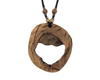 Wooden pendant. Reclaimed wood. Eco-friendly. Wood knot. Hippie Boho. Wood necklace. Unique necklace. Oak wood.