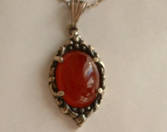 Vintage silver and carnelian pendant necklace