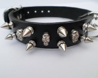 leather spiked dog collar 12mm spikes and skull studs 24mm wide gothic dog collar