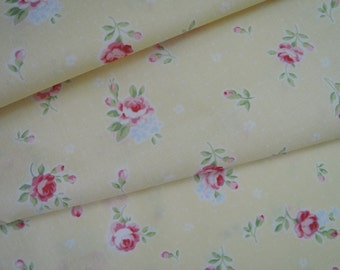 "Fat Quarter of 2015 Lecien Princess Rose Small Roses in Pastel Yellow. Approx. 18"" x 22""  Made in Japan"
