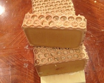 Sweetness of honey, glycerine calendula and Chamomile Roman!