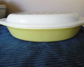 Vintage Pyrex Divided Casserole Dish Yellow/Green Oliver 1 1/2 Quart