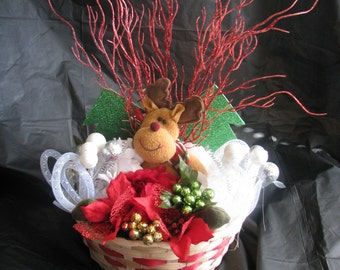 Christmas centerpiece with reindeer