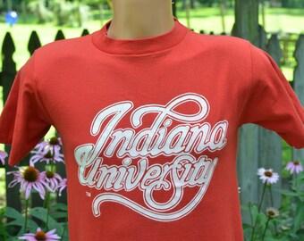 80s T-Shirt Indiana University IU Hoosiers Bloomington Medium Crimson Tee
