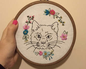 Cat embroidery hoop with flowers