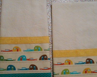 Set of 2 Fabric Trimmed Tea Towels with Vintage Trailers Print