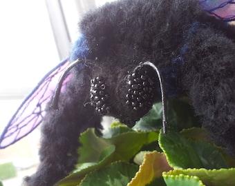 Teddy-brooch  Bumblebee. Needle felted,wool, yarn.