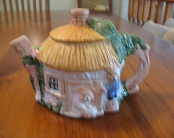 Teddy Bear Cottage Tea Pot