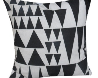 "Graphic Print Jazz 16"" Cushion Cover"
