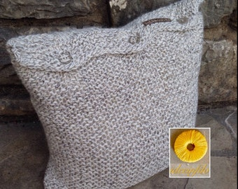Square pillow with braid