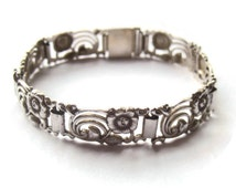 Vintage link bracelet 830 silver, Art Nouveau flowers and leaves floral design, German made Swedish import, Kollmar & Jourdan Germany, #488.