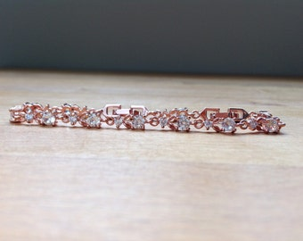 Rose gold-plated cubic zirconia floral chain bracelet