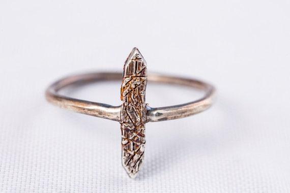 Single Spike Ring