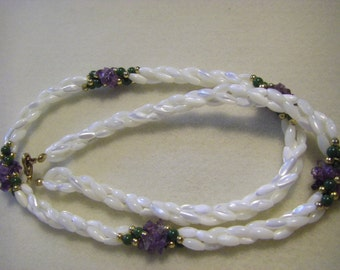 """VTG. 22""""white/translucent faux fresh water pearl look with five very colorful splashes"""