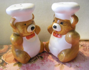 little CHEF BEAR   salt and pepper shakers