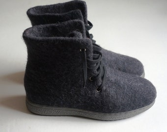 In stock, Eu-43 size! Eco felted boots for men or women. Handmade felt shoes. Snow boots. I can felt in all sizes or colors.