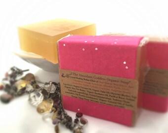 The Abundant Goddess Organic Vanilla VEGAN Soap / All Natural Bath Product/ Crystal Soap, Quartz Included / Handmade Soap / Organic Soap 5oz