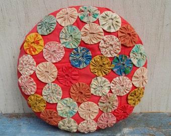 Vintage Yo Yo Quilt Handmade Pillow!