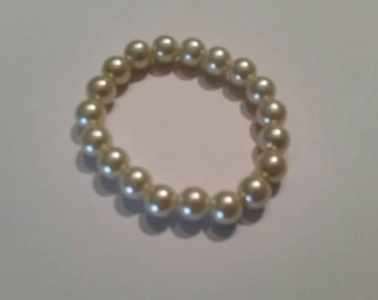 Vintage Pearl Stretch Bracelet Costume Jewelry
