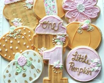 1 dozen little pumpkin cookies!