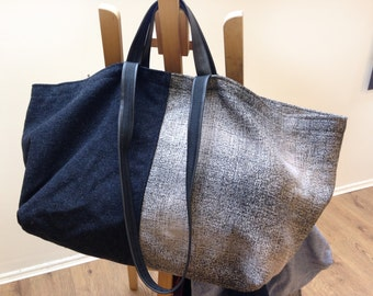 Very large tote bag with double handles