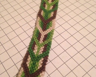 Forest Fishtail thread bracelet