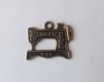 Sewing Machine Charms, Antique Brass, for jewellery making - Singer
