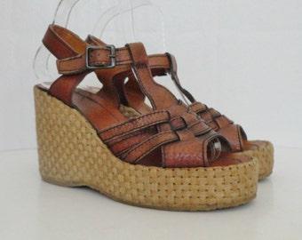 Brown 70s Vintage Plateau Sandals With Bast // Size EU 39