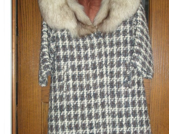 1960s Glove Length Wool Coat with Fox Collar in very good condition.