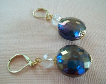 Zuri - Iridescent earrings