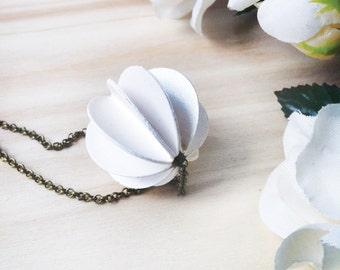 Paper Jewelry, White Necklace, Paper Necklace, Choker with chain, White bauble paper, Choker with small paper ball