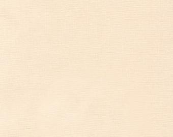 Kona Cotton Eggshell from Robert Kaufman Fabrics