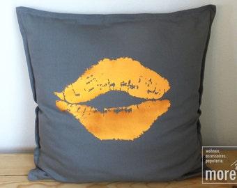 Pillow case kiss mouth copper   50x50cm